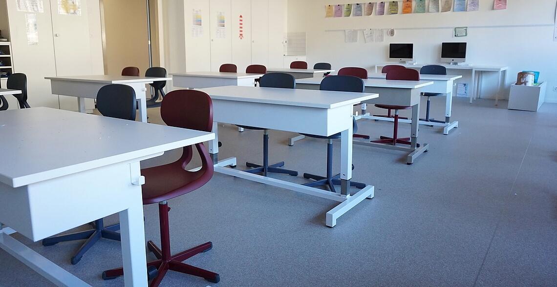 Mobilier et quipements scolaire en romandie for Mobilier informatique scolaire