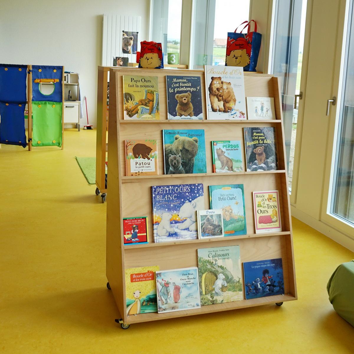 tables et chaises pour la petite enfance en romandie. Black Bedroom Furniture Sets. Home Design Ideas